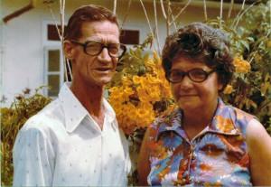 Oom Willie Veldhuizen en tante Ilse van Brussel