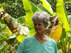tante Jo in bananenaanplant